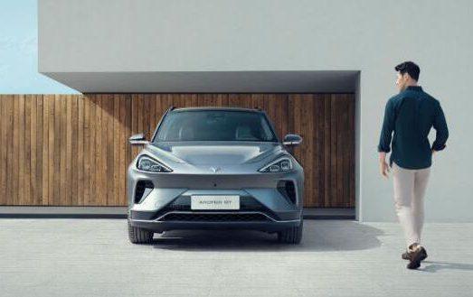 Ta为何能成为高端智能新能源汽车风向标?